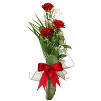 Buchet din 3 trandafiri rosii