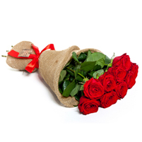 Buchet 9 trandafiri cu fundita rosie