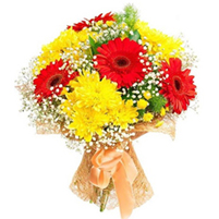 Buchet indraznet de gerbera si crizanteme