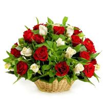 Cos cu trandafiri mixt