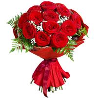 Buchet select din trandafiri si gypsophila
